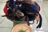 Mua 4 con cua nặng 2,4kg nhưng khi về nhà mới tá hỏa vì phát hiện điều này, dân mạng ngao ngán chiêu 'mua cua khuyến mại dây'
