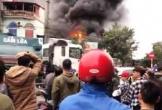 Gara ôtô ở Quảng Ninh bốc cháy dữ dội