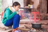 Gia đình khó khăn trong ngôi nhà đổ nát cần sự trợ giúp