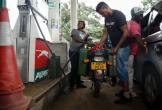 Zimbabwe tăng gấp đôi giá xăng trong một đêm