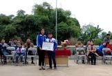 Trao giấy khen cho một học sinh ở Thanh Hóa dũng cảm cứu bạn đuối nước