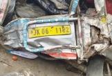 Xe khách lao xuống hẻm núi khiến 16 người chết