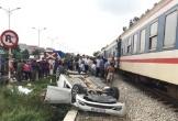 Hiện trường tàu hỏa va chạm với ô tô, người phụ nữ tử vong tại chỗ