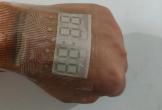Trung Quốc chế tạo ra màn hình siêu mỏng có thể dán lên da người