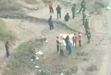 Bàng hoàng phát hiện 2 thi thể nghi là bố con bên sông ở Phú Thọ