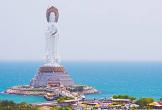 Choáng ngợp với tượng Quan Âm cao nhất thế giới đứng giữa biển