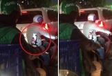 Tài xế Grab tranh thủ vài giây đèn đỏ facetime với vợ và con nhỏ gây xúc động