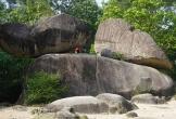Lễ hội tình yêu nơi 2 hòn đá nghìn năm chênh vênh thách thức thời gian