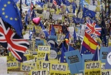 Biểu tình quy mô lớn ở Anh đòi trưng cầu dân ý Brexit lần hai