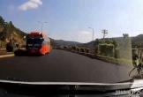 Xe khách ngang nhiên chạy ngược chiều trên cao tốc ở Lâm Đồng
