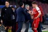 Arsenal trả giá cho chiến thắng trên sân Napoli