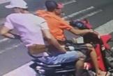 Camera ghi hình hai người cầm súng bắn nam thanh niên