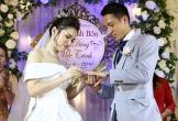 Hùng Dũng hôn đắm đuối cô dâu trong lễ cưới