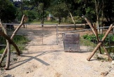 Tự ý rào đường, không cho du khách thăm động Tiên Sơn