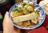Quán bánh bèo hơn 20 năm đông khách ở chợ Bến Thành