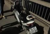 Nam thanh niên để lại xe máy, nhảy cầu Bãi Cháy tự tử