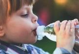 Lưu ý tránh cho con khỏi mất nước ngày Hè