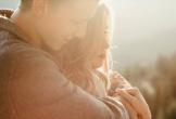 Cảm động tình yêu của người chồng chăm vợ mắc bạo bệnh