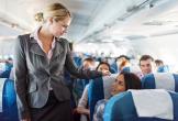 Tiếp viên chú ý điều gì đầu tiên khi khách lên máy bay?
