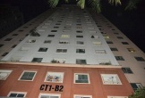 Bé gái rơi từ tầng cao chung cư xuống mái tôn tử vong