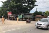 """Thanh Hóa: Xe tải đâm xe máy """"kẹp"""" 4, 2 người tử vong tại chỗ"""