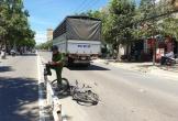 Băng qua dải phân cách, một phụ nữ bị xe tải tông tử vong