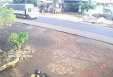 Ngã xuống đường, người đàn ông bị xe tải cán tử vong trên QL14
