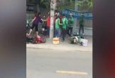Xôn xao clip nhóm tài xế Grab và Go-Viet hỗn chiến trên phố Sài Gòn
