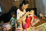 Xót thương bé gái đang khoẻ mạnh bỗng đổ