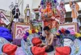 Thợ làm vàng mã các nước châu Á hái ra tiền mùa cúng rằm tháng 7