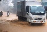 Mưa lớn, đường Hồ Chí Minh qua Thanh Hóa chìm trong biển nước nhiều giờ