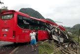 Xe khách lao vào xe tải chở luồng, 2 người chết, 14 người bị thương