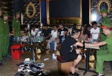 Bắt quả tang 20 nam nữ thanh niên mở 'tiệc ma túy' thác loạn trong quán karaoke ở Hà Tĩnh