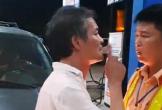 Tài xế xe biển xanh say rượu tát CSGT ở Thanh Hóa không có GPLX