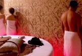 Bắt quả tang nhiều nữ tiếp viên khỏa thân massage kích dục ở Sài Gòn