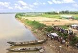 Nghi vấn cả gia đình nhảy sông tự vẫn, đã tìm thấy 2 thi thể