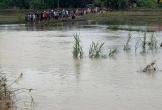 Đi qua cầu bị trượt chân rơi xuống nước, một nữ sinh lớp 7 đuối nước tử vong