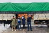 Xe tải chở đồ cứu trợ của Hòa Minzy gặp sự cố