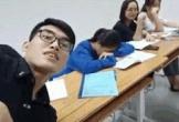 Thầy giáo trẻ gây sốt với những màn 'trừng phạt' trò ngủ gật siêu đáng yêu