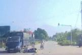 """Vượt đèn đỏ với tốc độ """"bàn thờ"""", cặp đôi tông thẳng vào xe tải"""