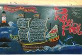 Bắt mắt báo tường làm bằng phấn bảng của học sinh nhân ngày Nhà giáo Việt Nam