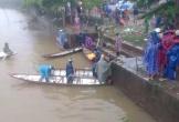 Chạy xe máy lao xuống sông, 1 thanh niên tử vong