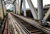 Một người rơi xuống cầu đường sắt tử vong
