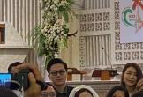 Ảnh hiếm hoi trong lễ cưới của Tóc Tiên - Hoàng Touliver tại nhà thờ