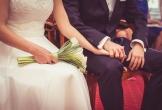 Lao vào cưới đại gia giàu lớn hơn hai mươi tuổi, gái trẻ không ngờ có ngày này