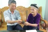 Cụ bà 83 tuổi đạp xe lên xã xin thoát nghèo ủng hộ 2 triệu đồng chống dịch Covid-19