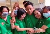 Clip xúc động: Y bác sĩ ôm nhau bật khóc khi bệnh nhân Covid-19 cuối cùng của Bình Thuận có kết quả xét nghiệm âm tính