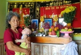 Thanh Hóa: Mồ côi cha mẹ, bà bế cháu trai 5 tháng tuổi ngơ ngác đi khắp xóm làng xin sữa