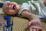 Tiếng khóc xé lòng của cậu bé 4 tháng tuổi sinh ra trong