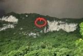Cứu 2 học sinh mắc kẹt trên vách núi